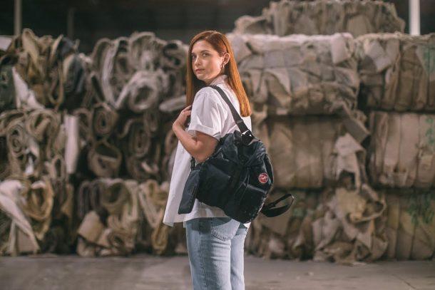 跟上環保大趨勢! Prada 推出 Re-Nylon 計劃,以再生尼龍重新改造品牌標誌手袋!