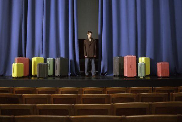 跳脫昔日框架! RIMOWA 推出彩色行李箱系列 讓你的旅程充滿鮮艷色彩!