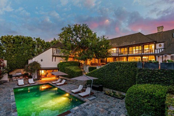 從 Brad Pitt 及 Jennifer Aniston 舊居認識英國中世紀建築 - 都鐸式(Tudor-Style)建築