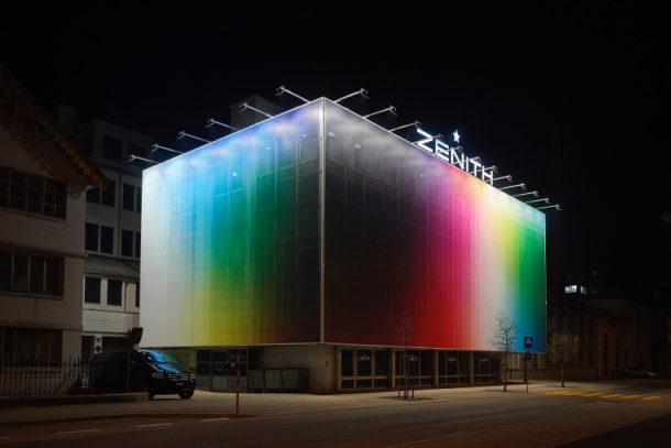 歷史遺址總部 Le Locle 廠房外的光彩藝術,ZENITH 攜視覺藝術家 Felipe Pantone 進化跨界創作