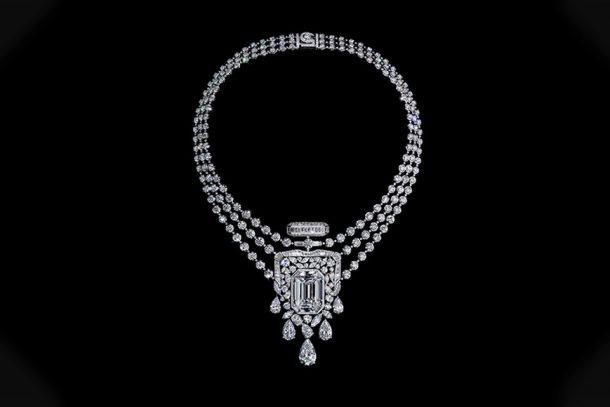 CHANEL 以最重量級的高級珠寶設計—— 55.55 項鍊,致敬 N°5 香水百年紀念!